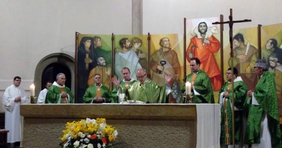 PRIMERA MISSA DELS PREVERES RECENT ORDENATS