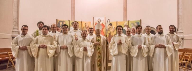Set nous candidats en ferm cap al presbiterat