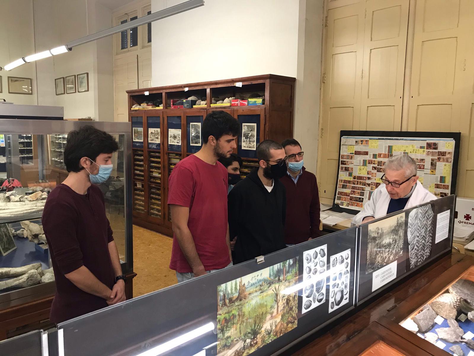 Visita al Museu Geologic del curs propedèutic (3)