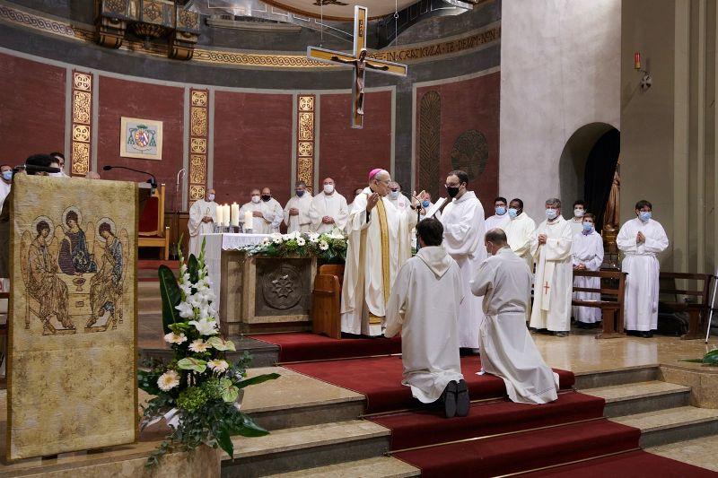 ordenacions-diaconals-xavi-samuel-diocesis-sant-feliu-de-llobregat3