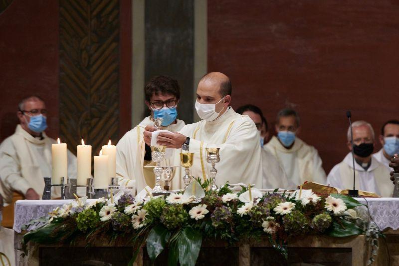 ordenacions-diaconals-xavi-samuel-diocesis-sant-feliu-de-llobregat4
